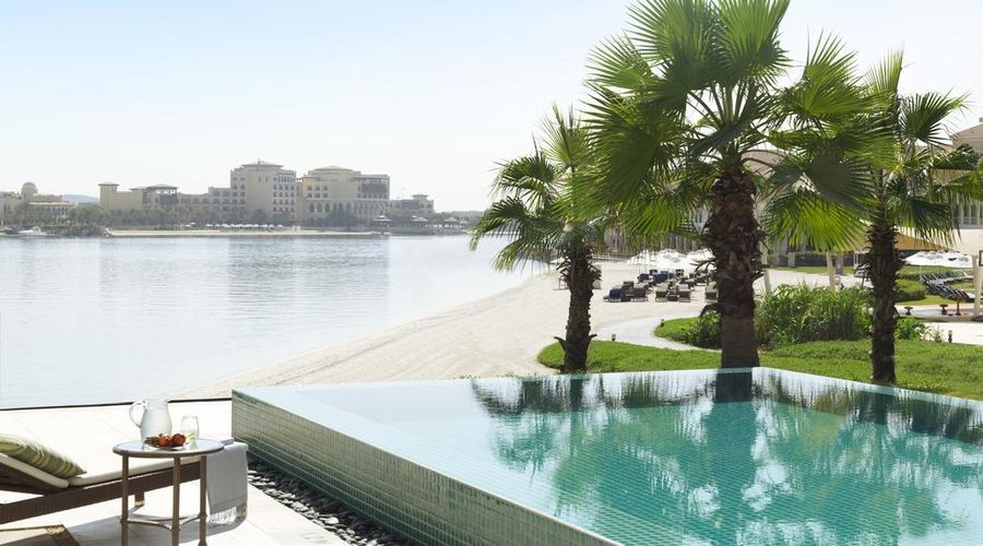 The Ritz-Carlton Abu Dhabi, Grand Canal-22 of 42 photos