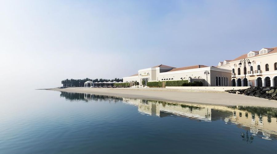 The Ritz-Carlton Abu Dhabi, Grand Canal-7 of 42 photos