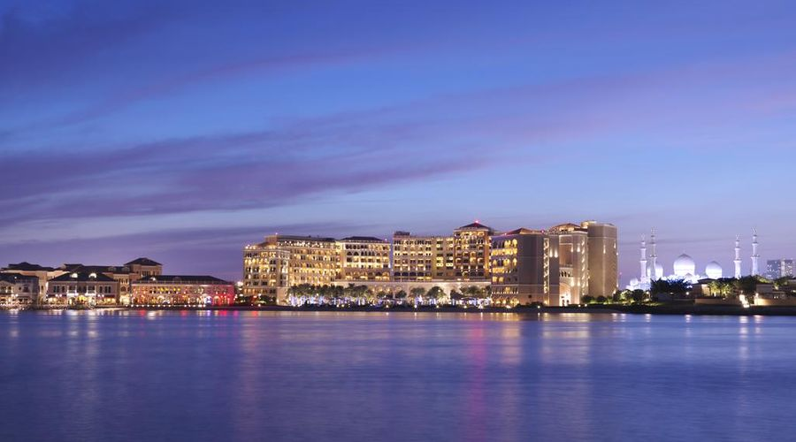 The Ritz-Carlton Abu Dhabi, Grand Canal-10 of 42 photos