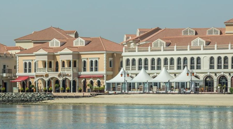The Ritz-Carlton Abu Dhabi, Grand Canal-9 of 42 photos