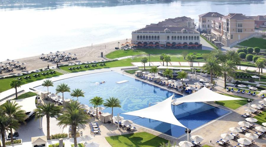 The Ritz-Carlton Abu Dhabi, Grand Canal-2 of 42 photos