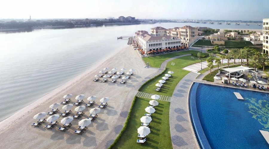 The Ritz-Carlton Abu Dhabi, Grand Canal-3 of 42 photos