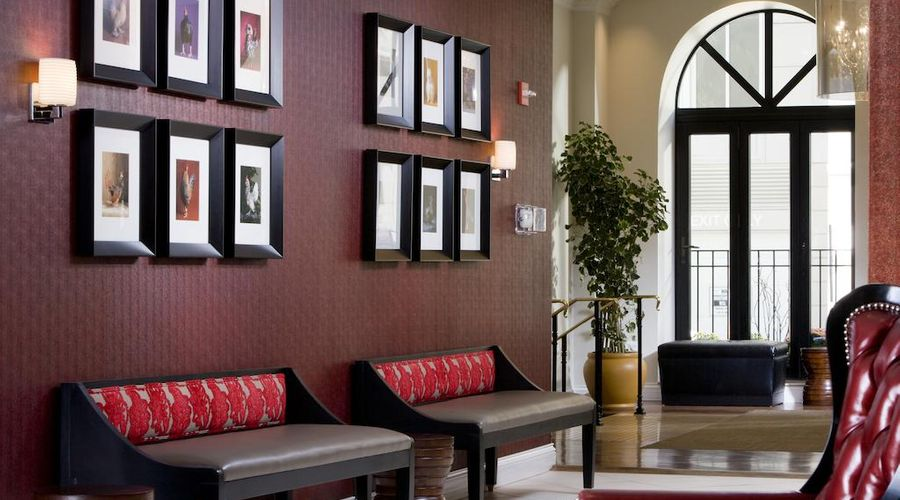 Holiday Inn Express Chicago-Magnificent Mile-4 of 40 photos