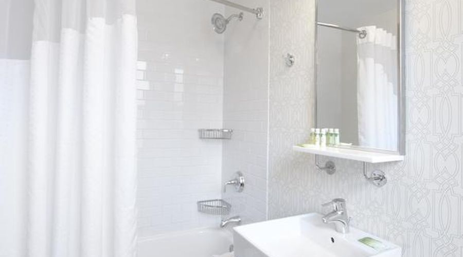 Holiday Inn Express Chicago-Magnificent Mile-6 of 40 photos