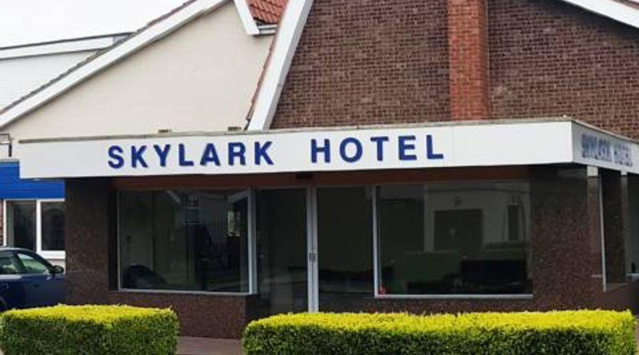 Skylark Hotel-1 of 29 photos