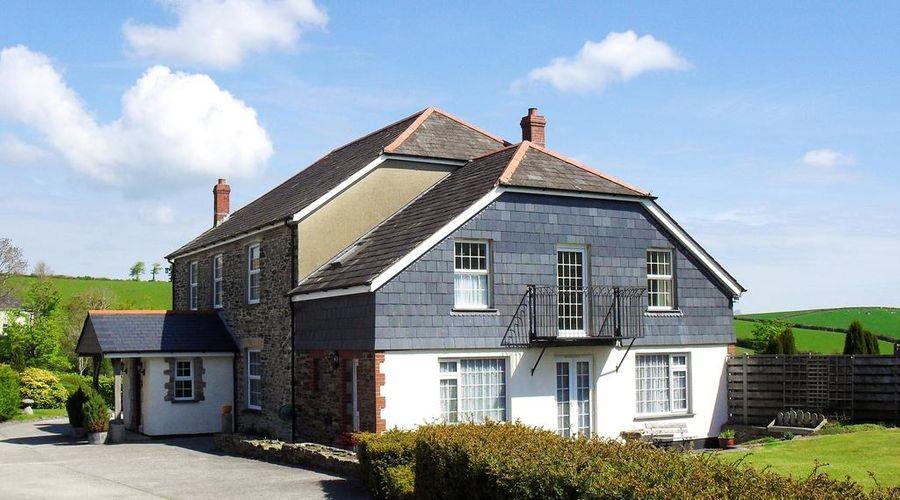 Lobhill Farmhouse-1 of 26 photos