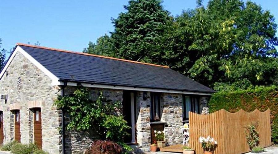 Lobhill Farmhouse-2 of 26 photos