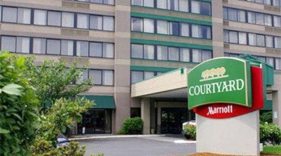 Courtyard by Marriott Portland Airport-1 of 33 photos