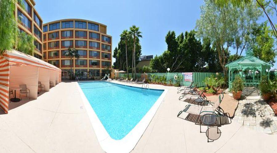 Quality Inn & Suites Montebello - Los Angeles-11 of 45 photos