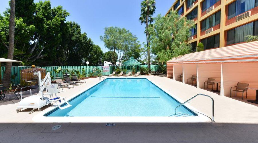 Quality Inn & Suites Montebello - Los Angeles-8 of 45 photos