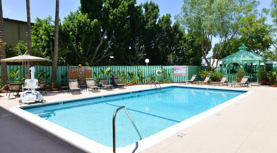 Quality Inn & Suites Montebello - Los Angeles-9 of 45 photos