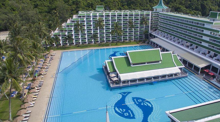 Le Meridien Phuket Beach Resort-2 of 31 photos