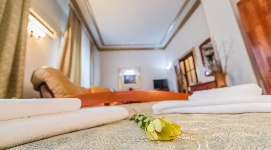 Bucharest Comfort Suites-10 of 38 photos