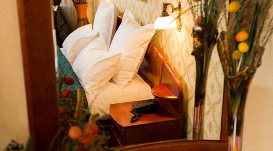 Bucharest Comfort Suites-13 of 38 photos