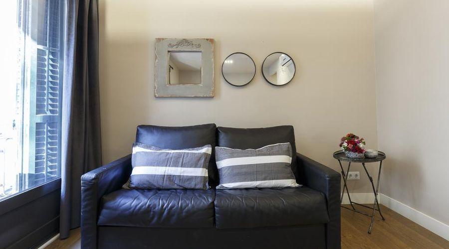 AinB Eixample Miró Apartments-30 of 37 photos