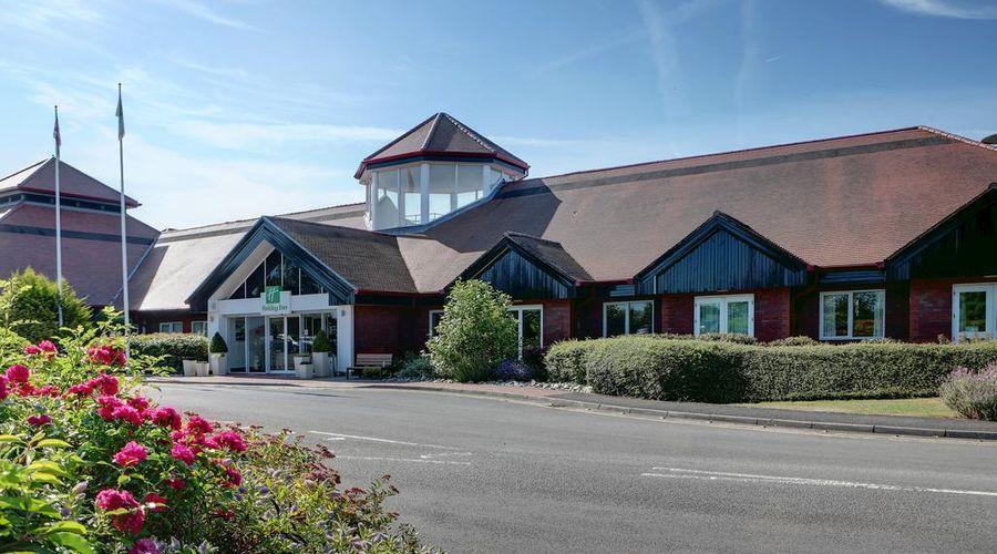Holiday Inn Aylesbury-1 of 32 photos