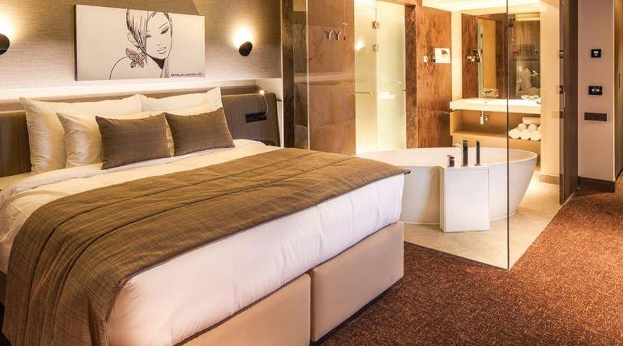 Kronwell Brasov Hotel-9 of 47 photos
