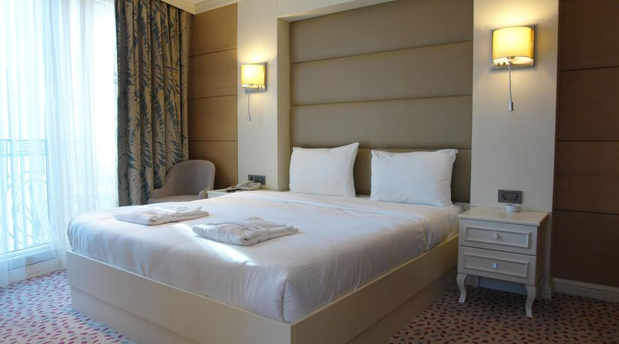 Hotel Le Mirage-14 of 30 photos