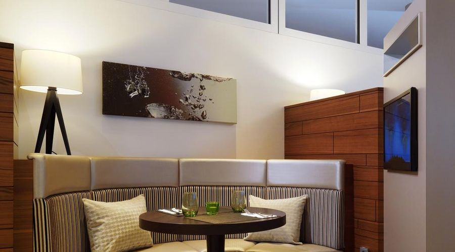 Courtyard by Marriott Cologne-13 of 24 photos