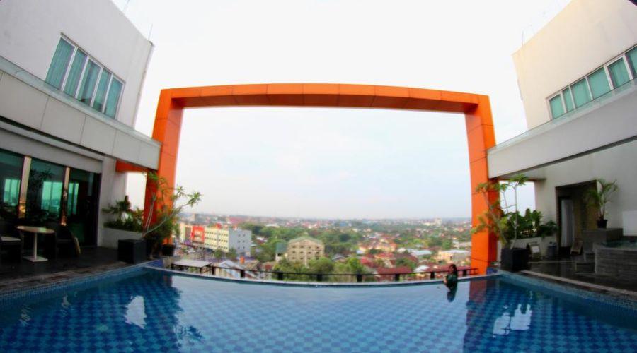 Grand Central Hotel Pekanbaru-5 of 34 photos