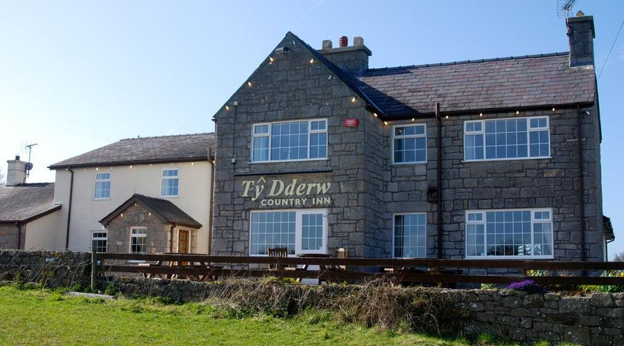 Ty Dderw Country Inn-1 of 43 photos