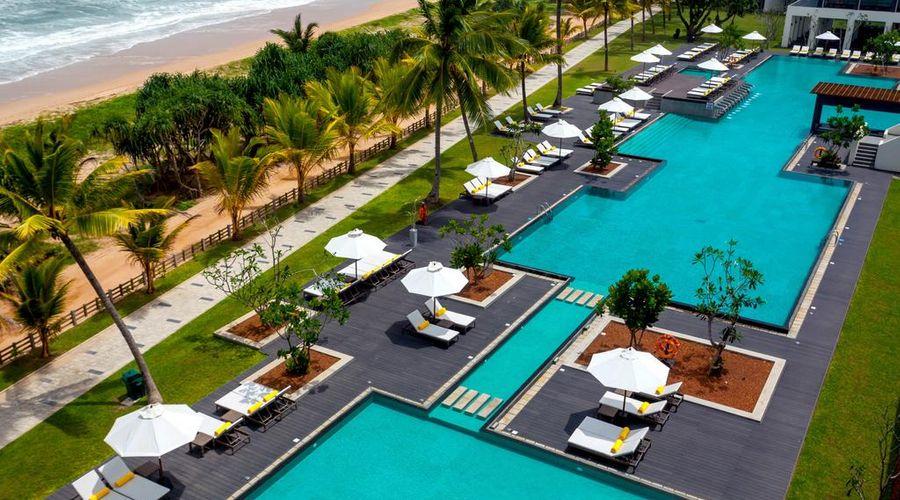 Centara Ceysands Resort & Spa Sri Lanka-2 of 44 photos