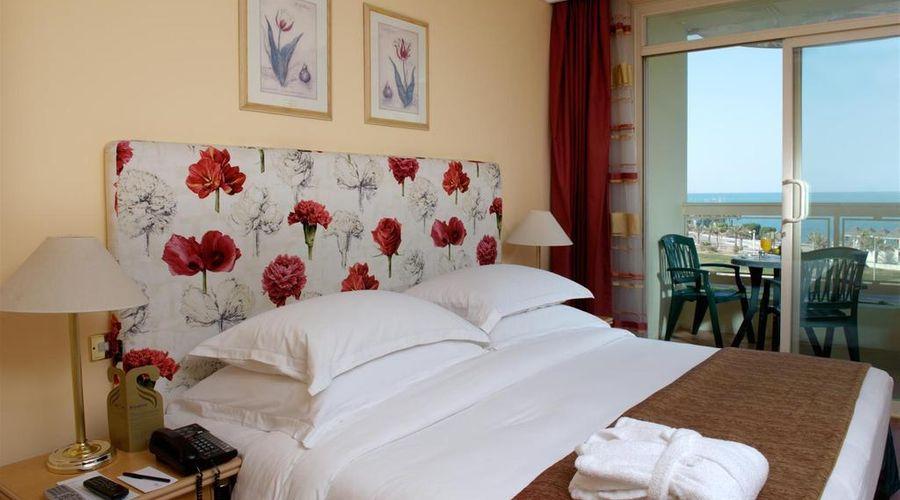 Le Royal Hotel-22 of 45 photos