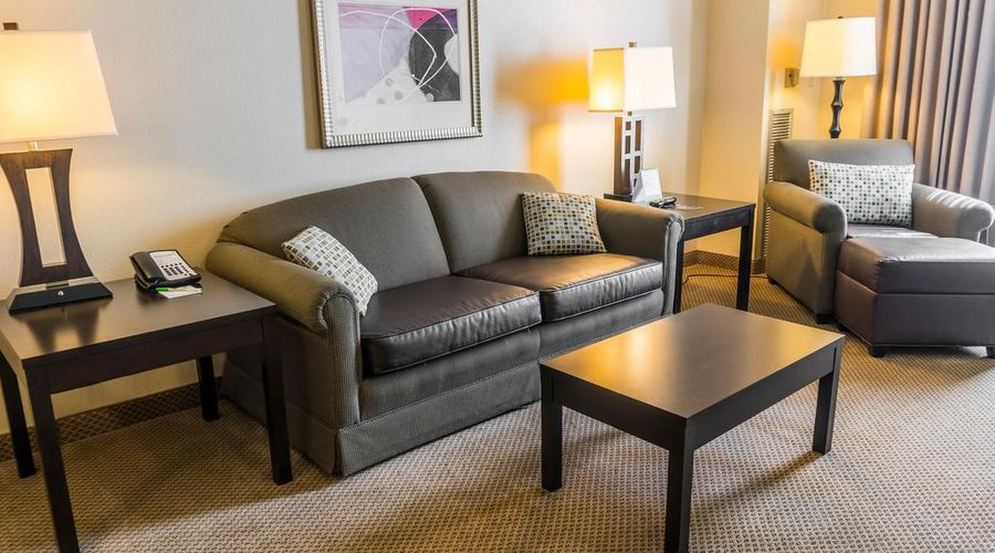 Holiday Inn & Suites Across From Universal Orlando-26 of 32 photos
