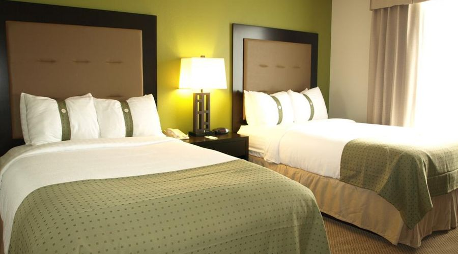 Holiday Inn & Suites Across From Universal Orlando-9 of 32 photos
