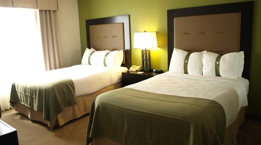 Holiday Inn & Suites Across From Universal Orlando-12 of 32 photos