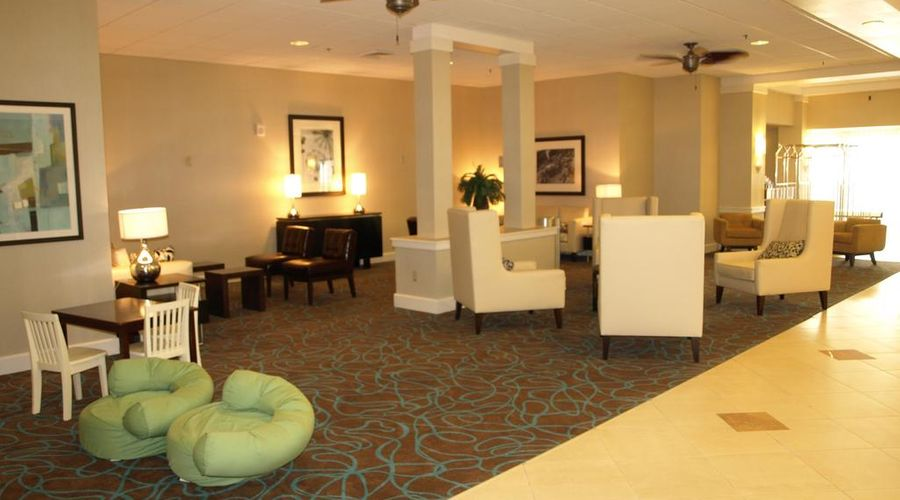 Holiday Inn & Suites Across From Universal Orlando-16 of 32 photos