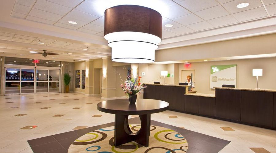 Holiday Inn & Suites Across From Universal Orlando-18 of 32 photos