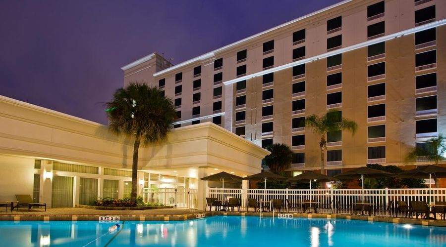 Holiday Inn & Suites Across From Universal Orlando-6 of 32 photos