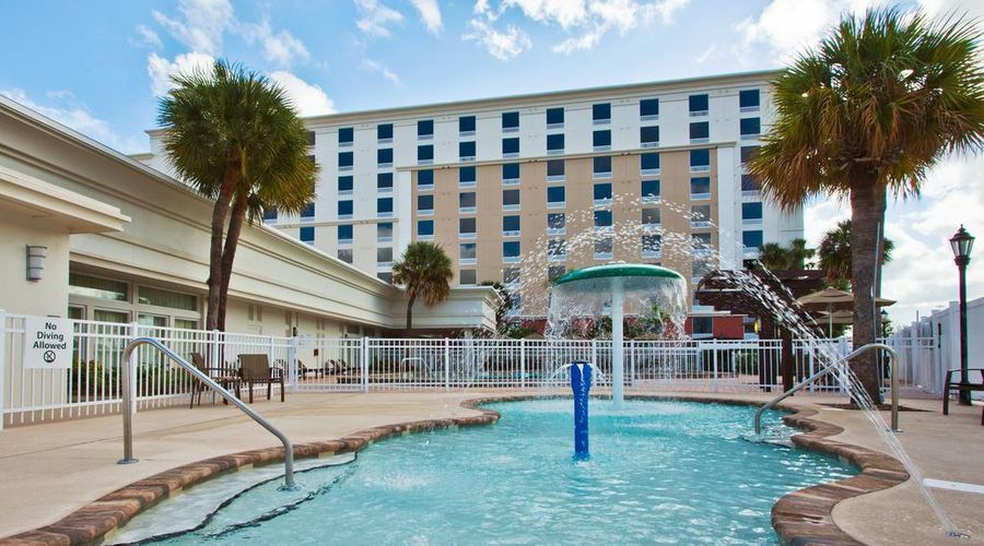 Holiday Inn & Suites Across From Universal Orlando-4 of 32 photos