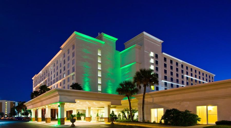 Holiday Inn & Suites Across From Universal Orlando-1 of 32 photos
