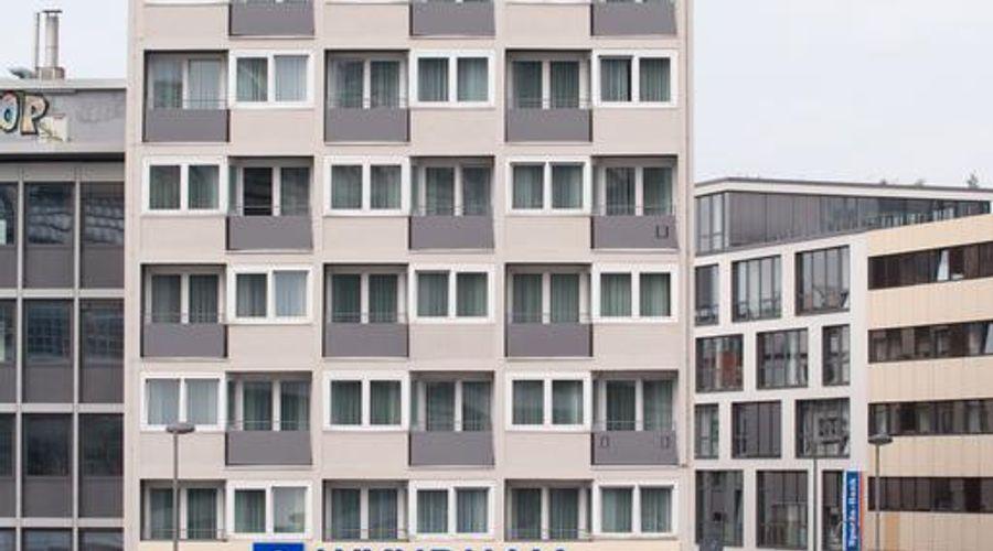 Wyndham Köln-1 of 31 photos