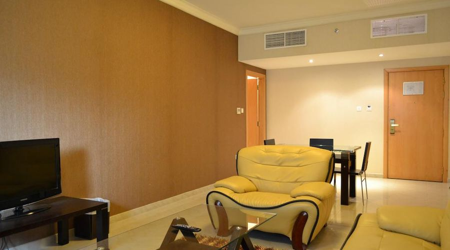 OYO 122 Crystal Plaza Hotel-4 of 31 photos