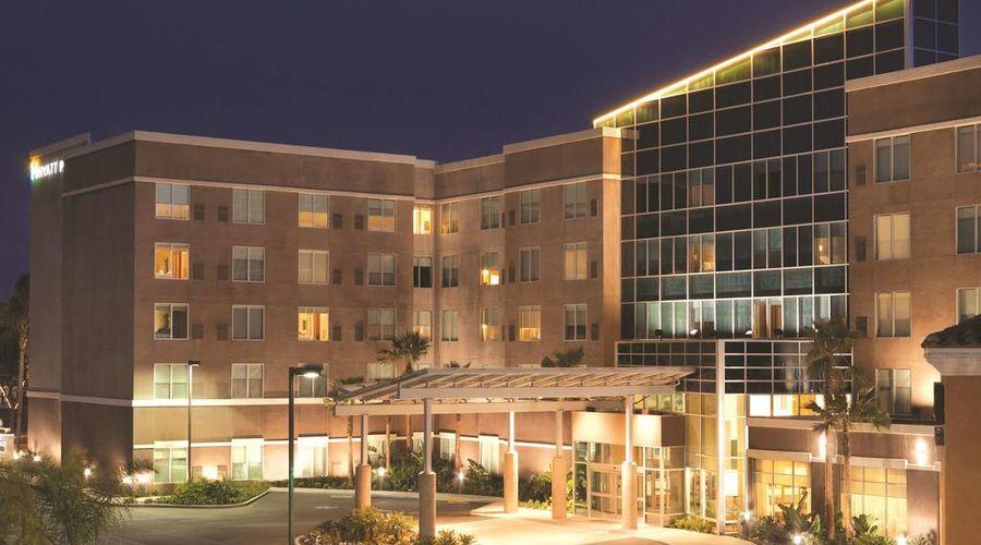 Hyatt Place at Anaheim Resort/Convention Center-2 of 35 photos