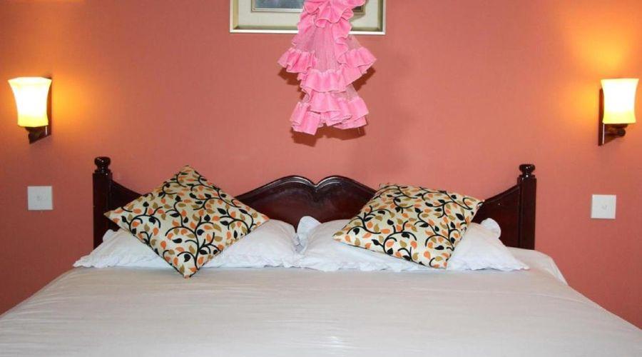 Holiday Guest Inn-6 of 49 photos