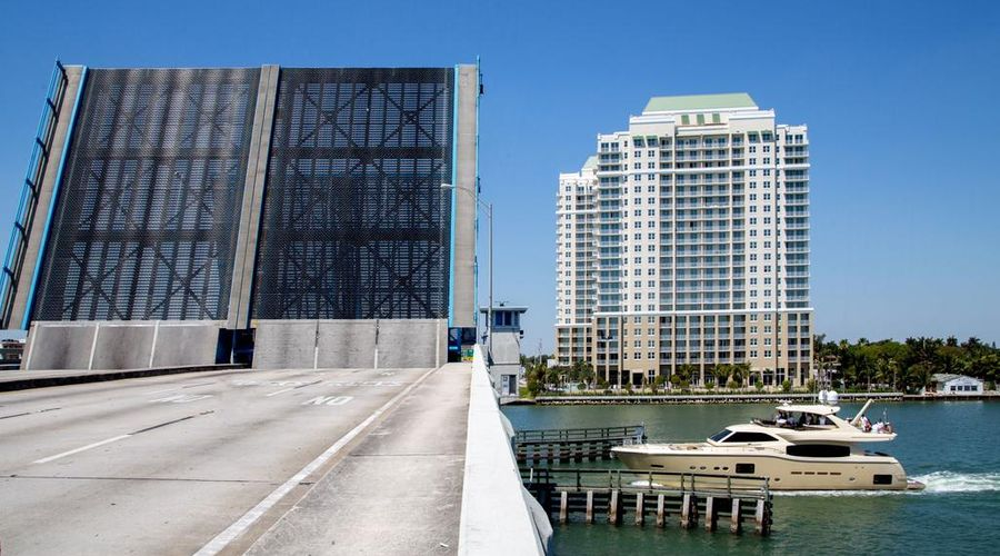 Mare Azur Miami Luxury Apartments by Grand Bay-44 of 46 photos
