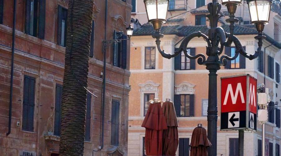 بياتزا دي سباجنا 9-52 من 52 الصور