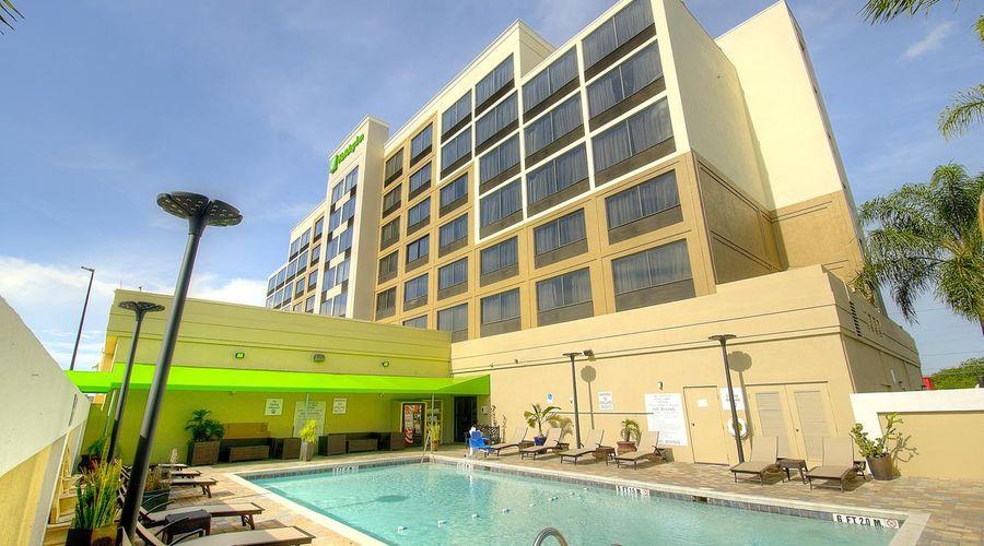 Holiday Inn Orlando East - UCF Area-2 of 33 photos
