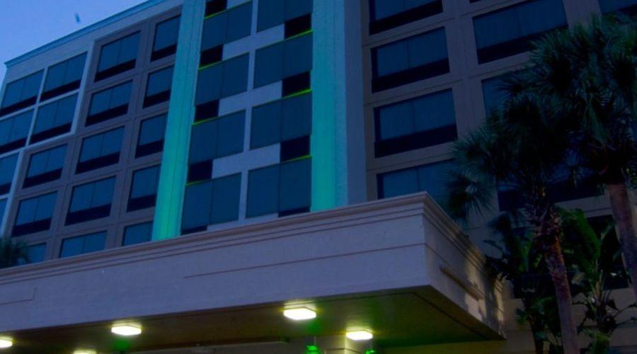Holiday Inn Orlando East - UCF Area-4 of 33 photos