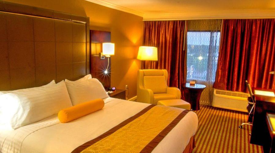 Holiday Inn Orlando East - UCF Area-26 of 33 photos