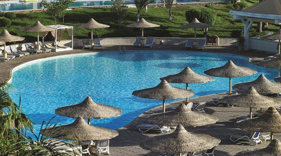 Coral sea Holiday Resort & Aqua park-12 of 34 photos