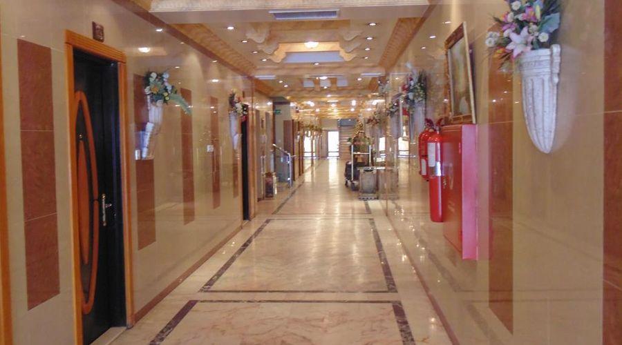 قصر اليمامة ملز 2-13 من 20 الصور