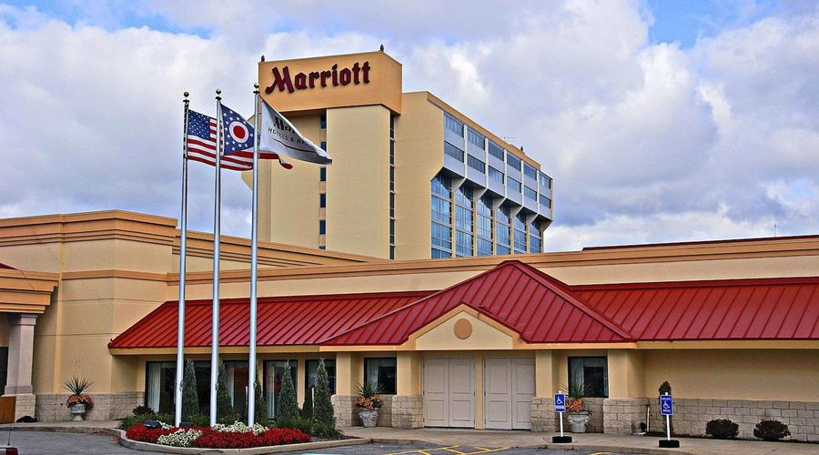 Cleveland Airport Marriott-1 of 45 photos