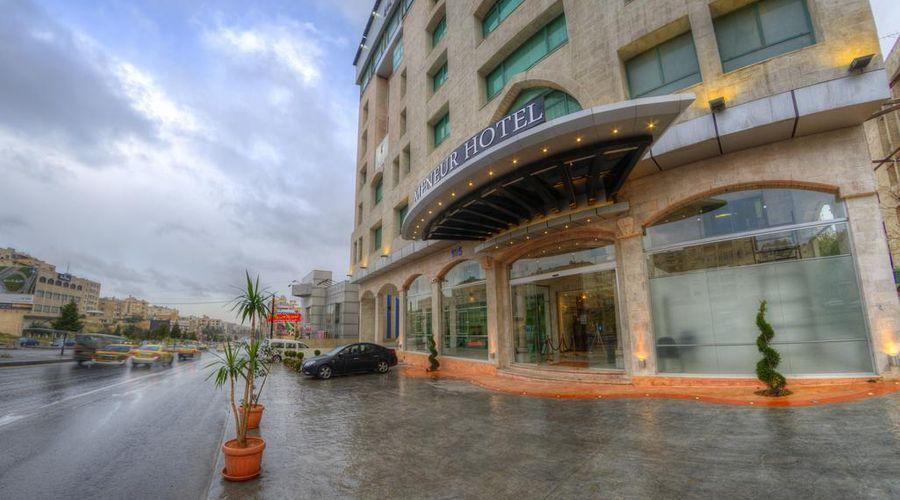 Meneur Hotel-20 of 29 photos
