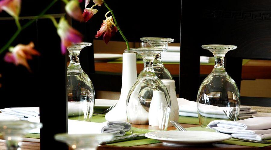 Meneur Hotel-22 of 29 photos