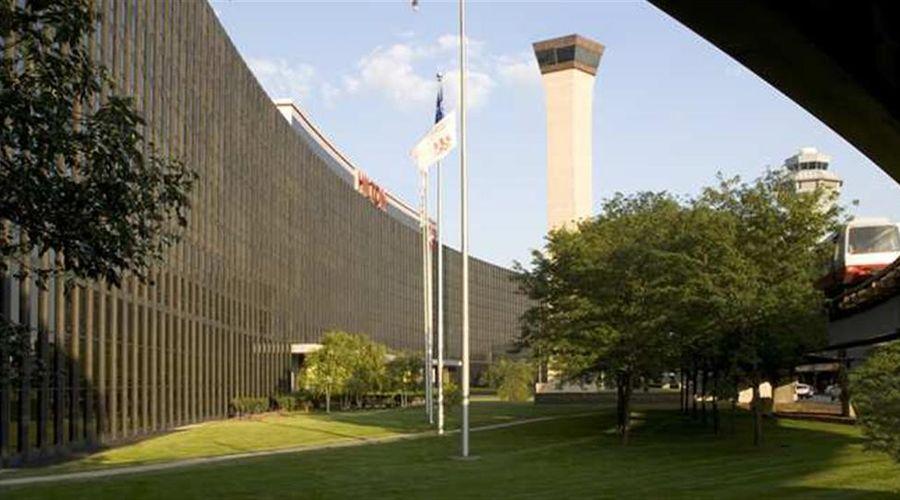 Hilton Chicago O'Hare Airport-2 of 40 photos